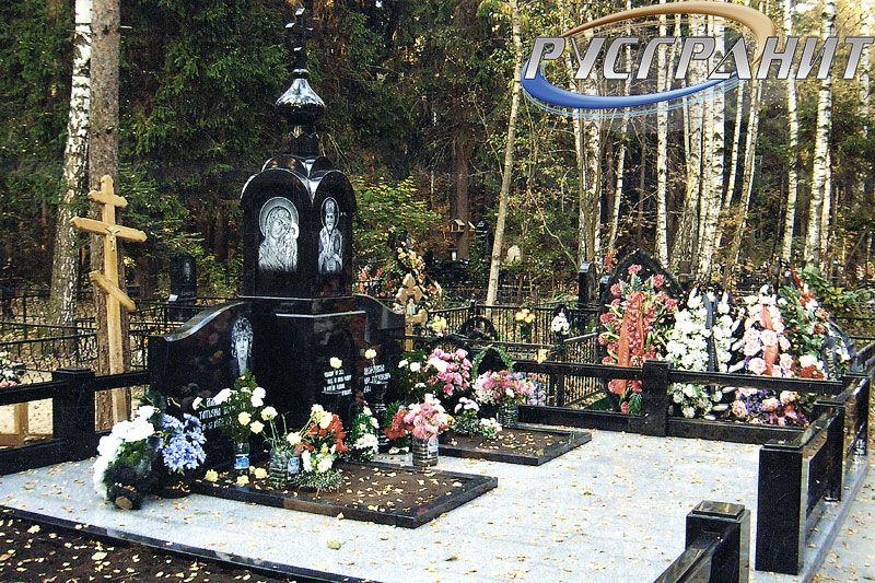 Памятник на могилу Троицк, Московская обл. Мемориальный комплекс с арками и колонной Лихославль