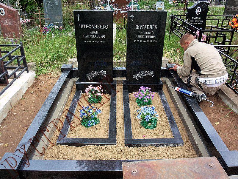 Как оформить надгробие могилы Лампадка из покостовского гранита Западная Двина