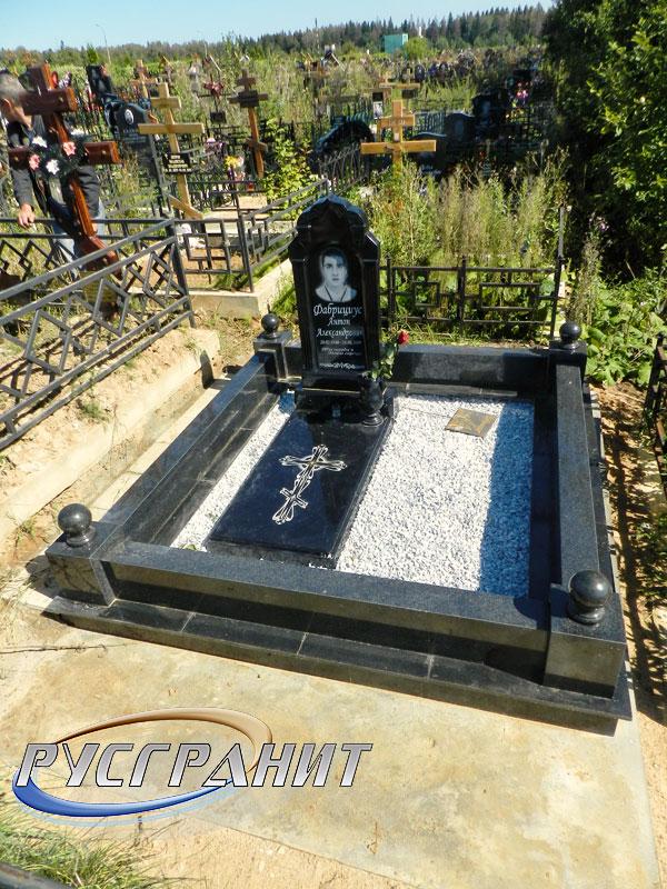 Фото надгробных памятников из гранита и мрамора Сергиев Посад памятник успенскому в туле