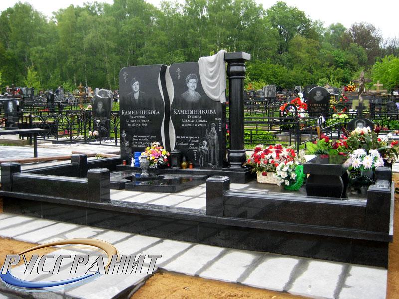 Памятник Роза из двух видов гранита Мелеуз Памятник Скала с колотыми гранями Кореновск