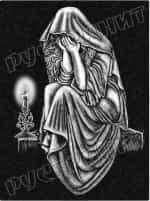 Рисунок на памятнике - плакальщица