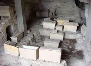 Двойное перезахоронение в Греции